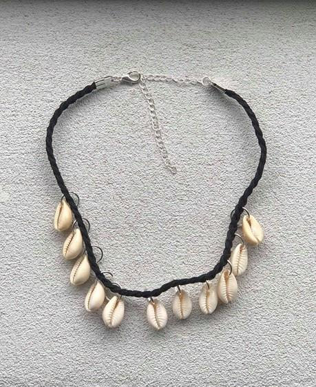 Adrano seashell necklace
