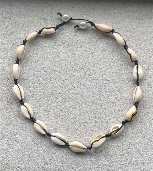 Aviano seashell necklace