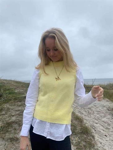 Isabella knit vest yellow