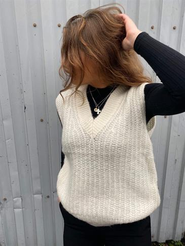 Mynte knit vest off white