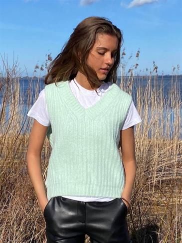 Mynte knit vest mint green